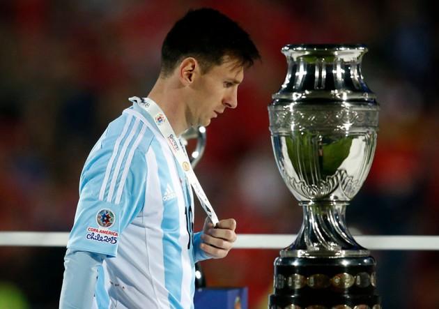 8b31e54e88 Por que Messi não é o Pelé da minha geração – No Ângulo