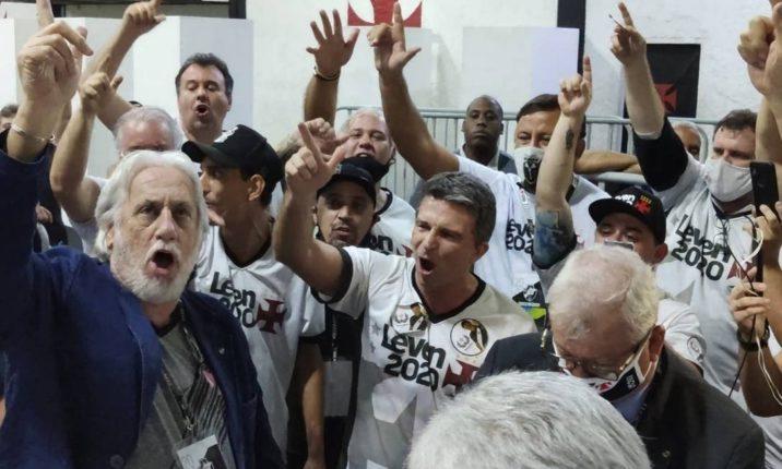 Link permanente para: Eleições no Vasco: ria enquanto não chega a eleição no seu clube